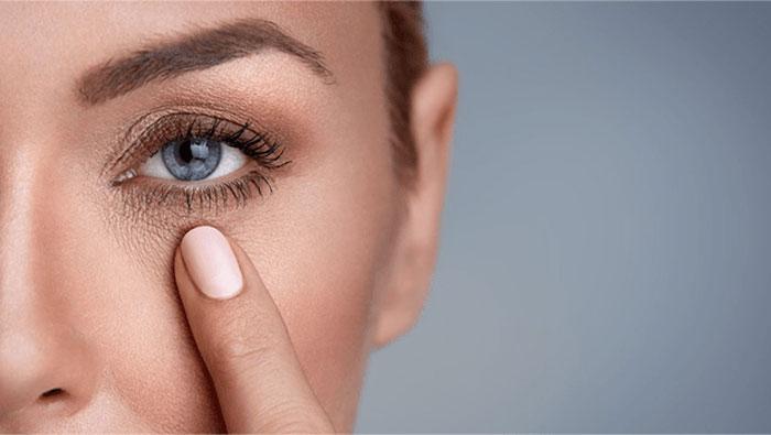 تیرگی دور چشم و روش های از بین بردن آن ، بهترین کرم رفع تیرگی دور چشم