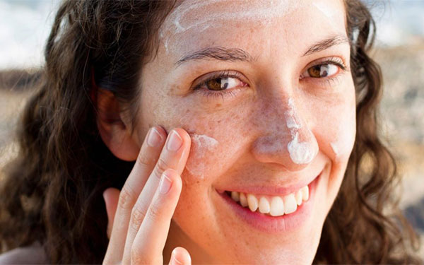 بررسی آثار ضدآفتاب بر روی پوست1