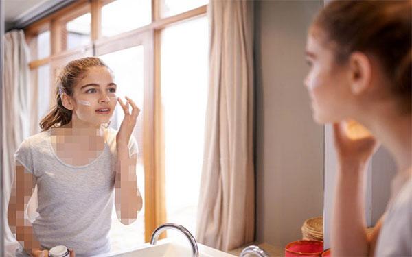 بررسی آثار ضدآفتاب بر روی پوست3