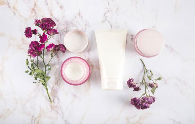 کرم مرطوب کننده برای پوست های خشک چه ویژگی هایی دارد ؟